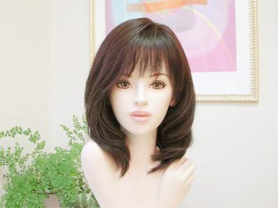 ミディアムスタイル巻き髪